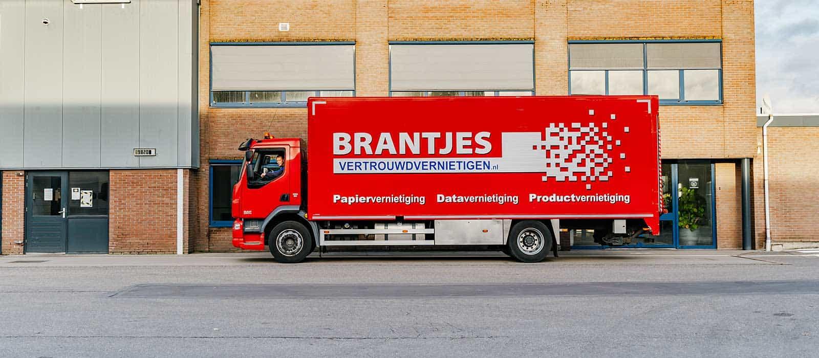 brantjes-data-vernietiging-inzamelen-kantoor-vrachtwagen