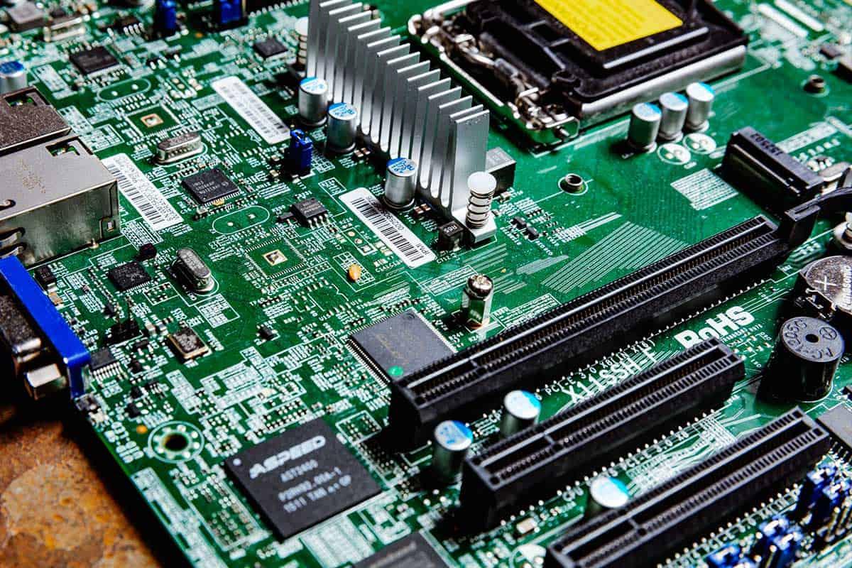 computer-chips-gecertificeerd-vernietigen-bij-brantjes