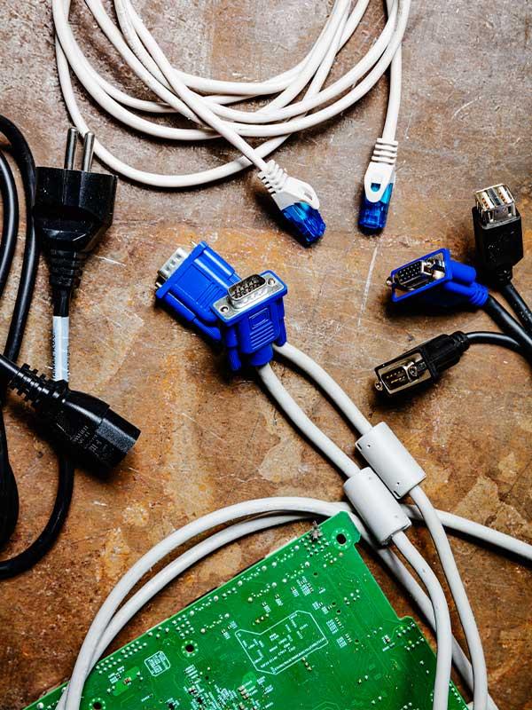 computer-kabels-printerplaten-hardware-recycling