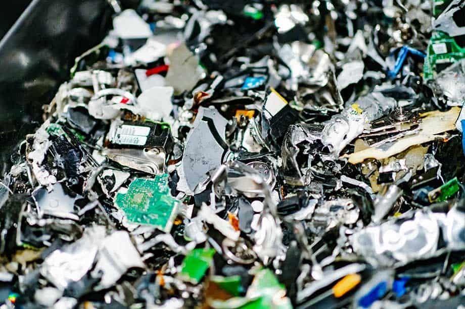 geshredde-harde-schijven-voor-recycling