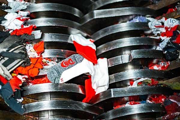 kleding-vernietigen-in-shredder-brantjes