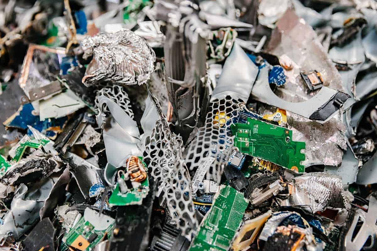 vernietigde-hardware-computers-laptops-datadragers